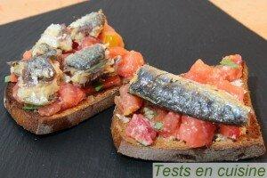Bruschetta de sardines et tomates à l'ail
