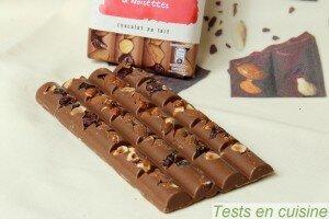 Chocolat au lait cranberries, amandes et noisettes Les Recettes de l'Atelier Nestlé