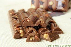 Chocolat au lait raisins, amandes et noisettes Les Recettes de l'Atelier Nestlé : zoom