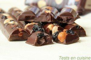 Chocolat noir myrtilles, amandes & noisettes Les Recettes de l'Atelier Nestlé : zoom