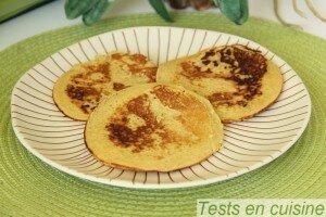 Pancakes cuits avec la poêle Triblinis De Buyer